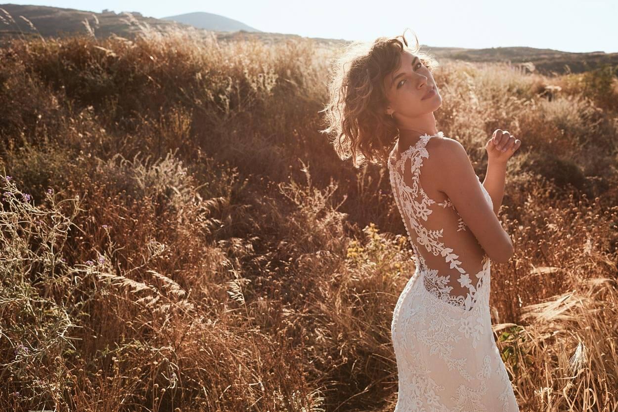 vintage Brautkleid im Sonnenuntergang
