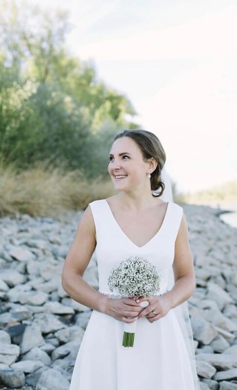 Brautkleid mit V-Ausschnitt Impressionen