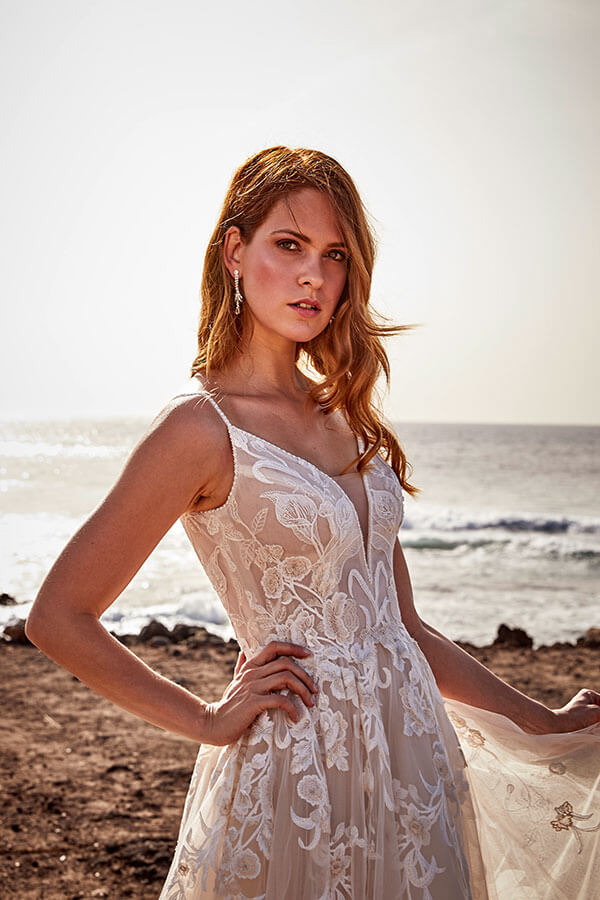 Prinzessin Brautkleid Diane Legrand am Strand Kollektion 2021