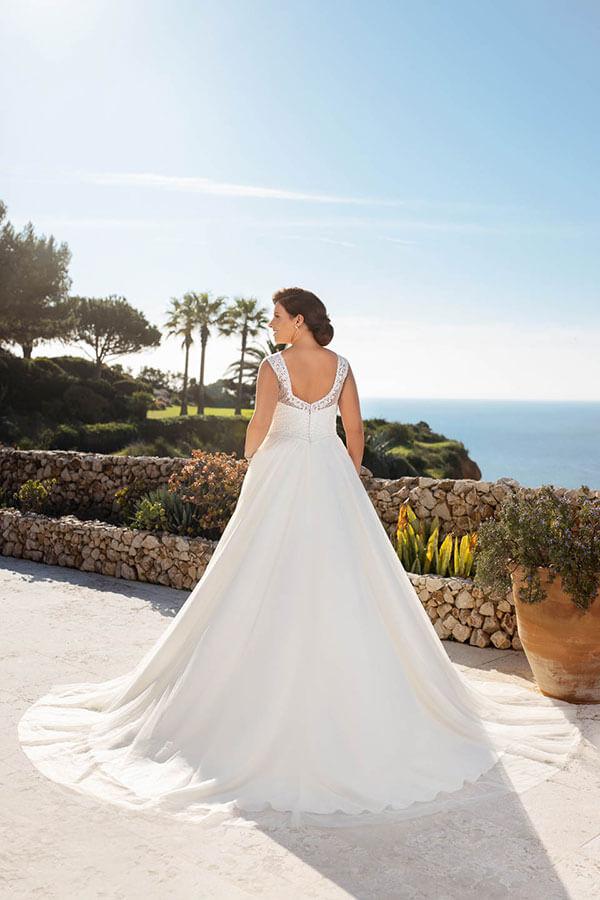 Plus Size, Curvy Bride, übergröße Brautkleid A-Linie